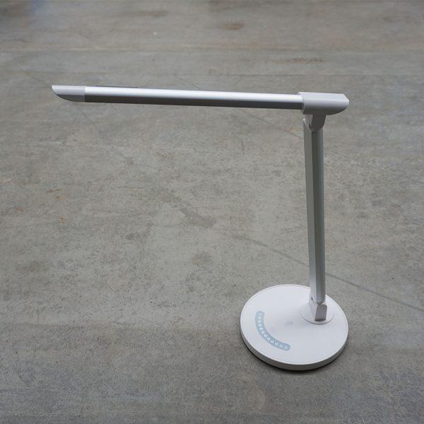 LED-Schreibtischlampe-tao-kühnle'waiko